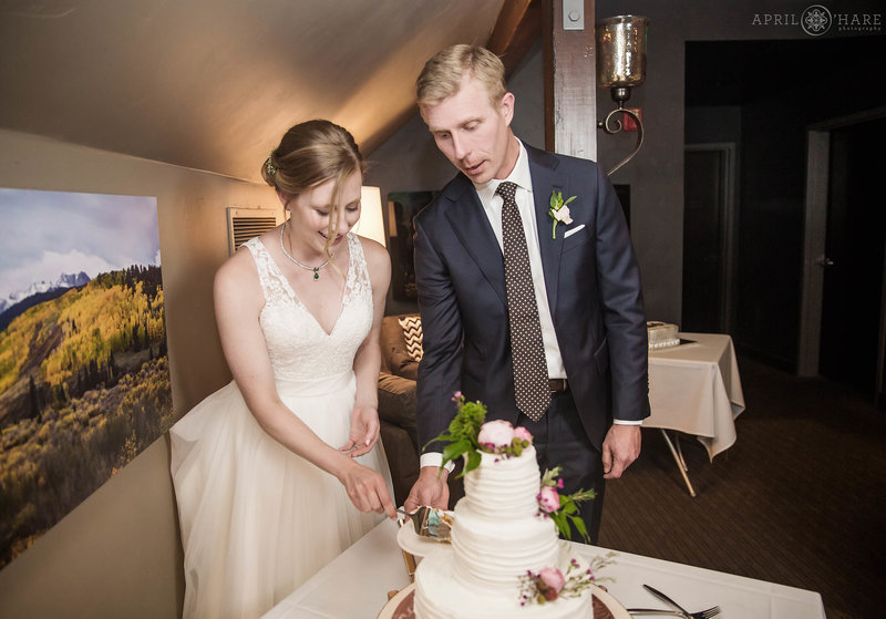 Aurum-Restaurant-Wedding-Reception-Cake-Cutting-in-Steamboat-Springs