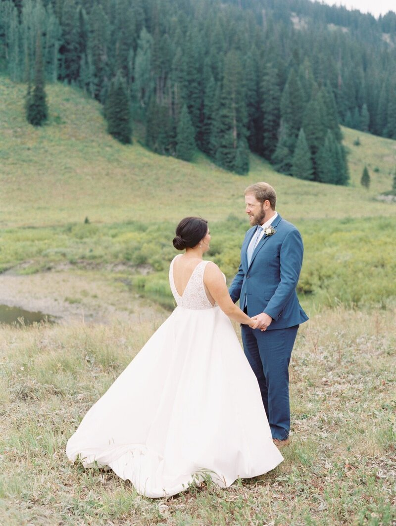 Joyful and Playful Wedding in Crested Butte_0005
