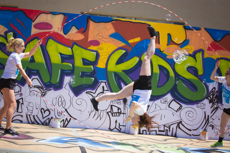 SafeKidsDay2017-18 - Double Dutch Girls Upside Down Graffiti Wall - J30A1571