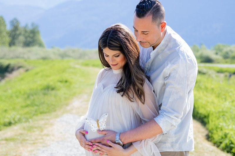 Maternity session in Pitt Lake