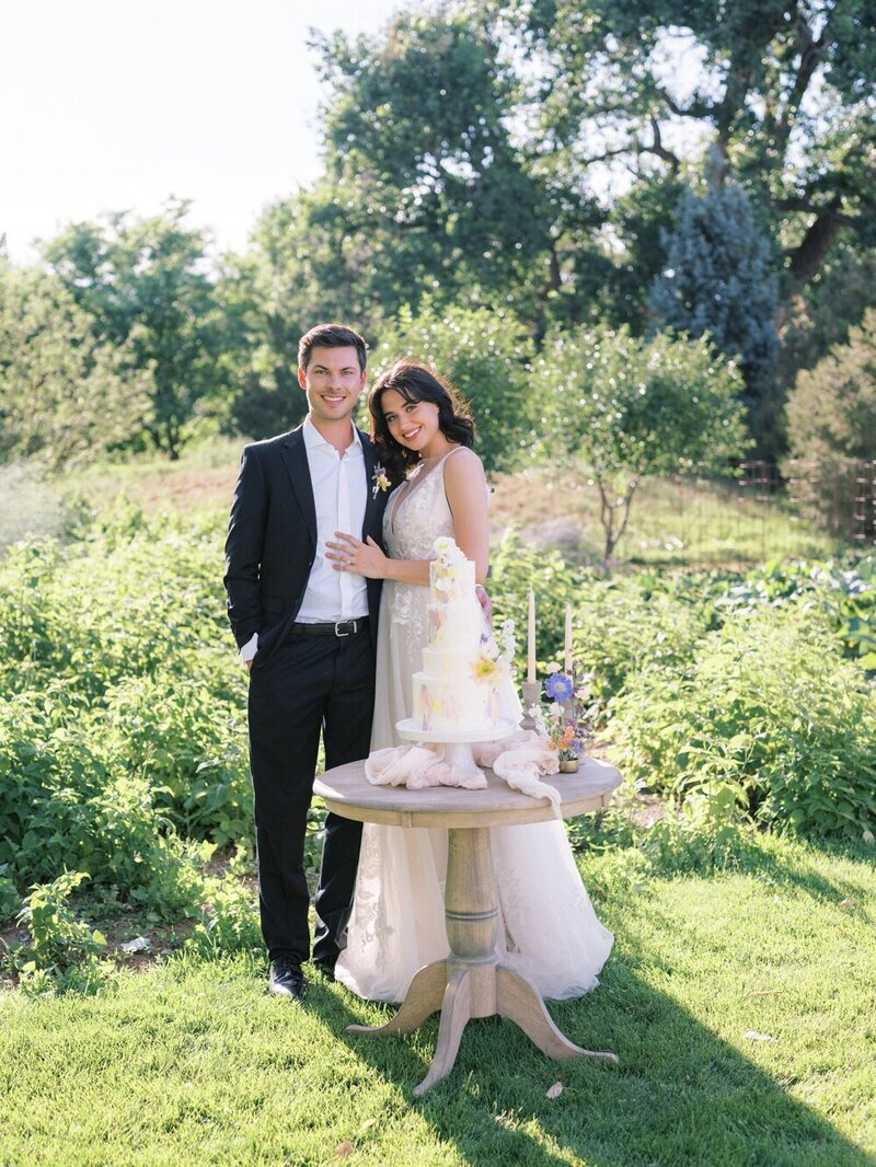 Lush and Romantic Wedding at a Flower Farm_0003