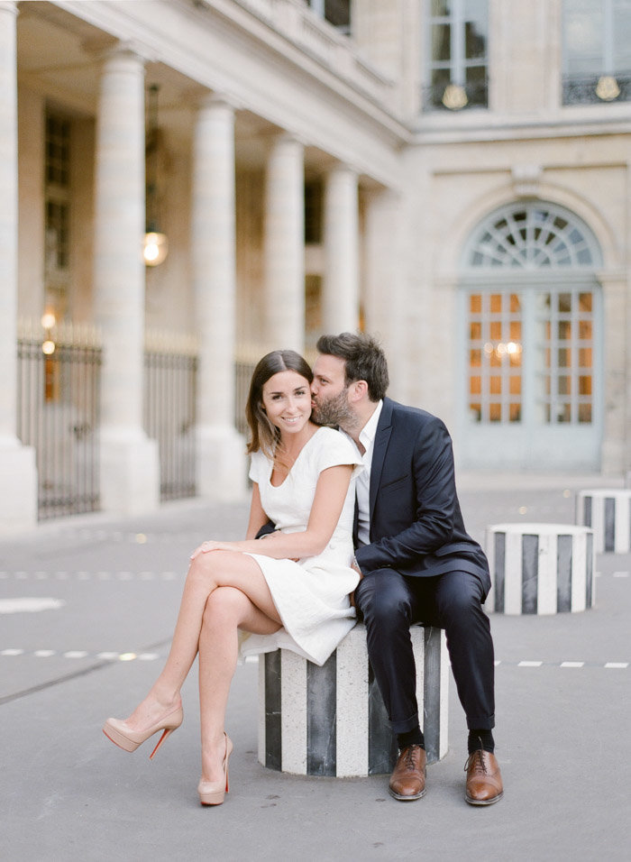 palais-royal-paris-engagement-photographer-jeanni-dunagan-8