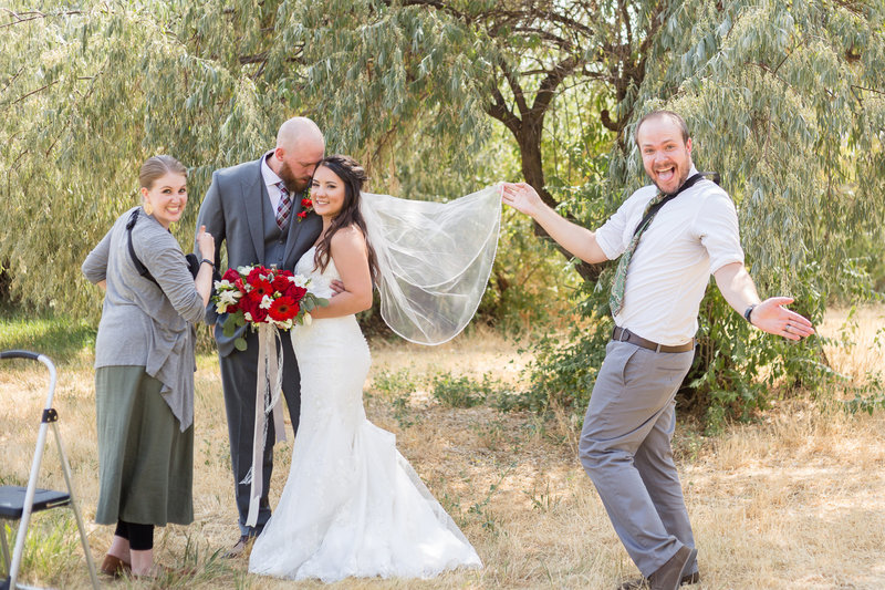 Jessie and Dallin Photography - Behind the Scenes - Utah Wedding Photographers_02