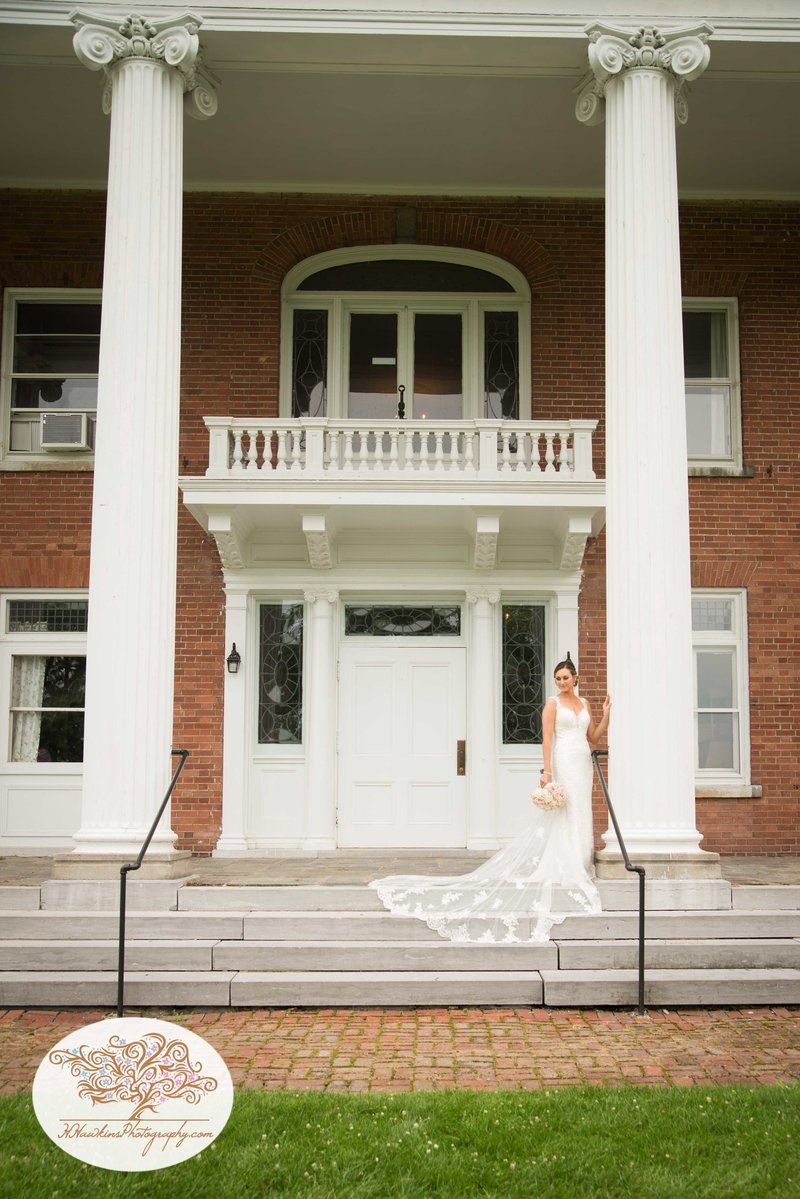 Belhurst Castle Pictures Geneva NY Syracuse Wedding Photographer-43