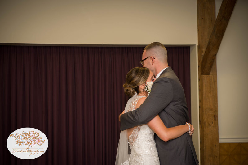 Belhurst Castle Pictures Geneva NY Syracuse Wedding Photographer-19