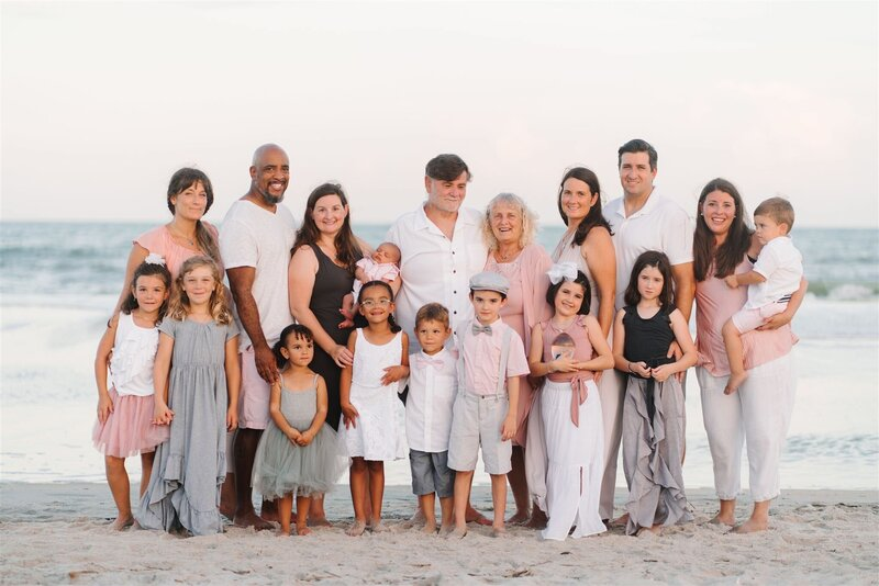 Wear all white to your family photography session in Myrtle Beach. What to wear to your family session in Myrtle Beach