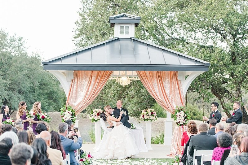 Kendall Plantation Wedding Venue Photos by Boerne Wedding Photographer Allison Jeffers_0127