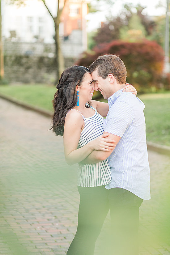 AMBER-DAWSON-PHOTOGRAPHY-COVINGTON-KENTUCKY-ENGAGEMENT-SESSION-0016