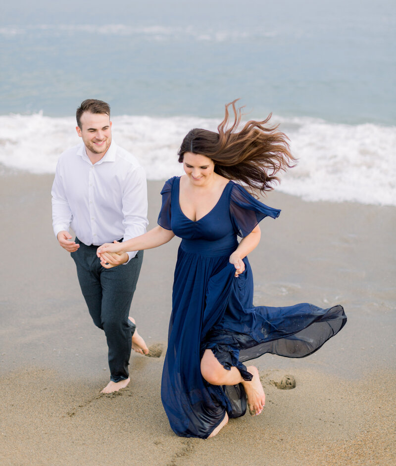 Rachel Buckley Weddings Beach Engagement