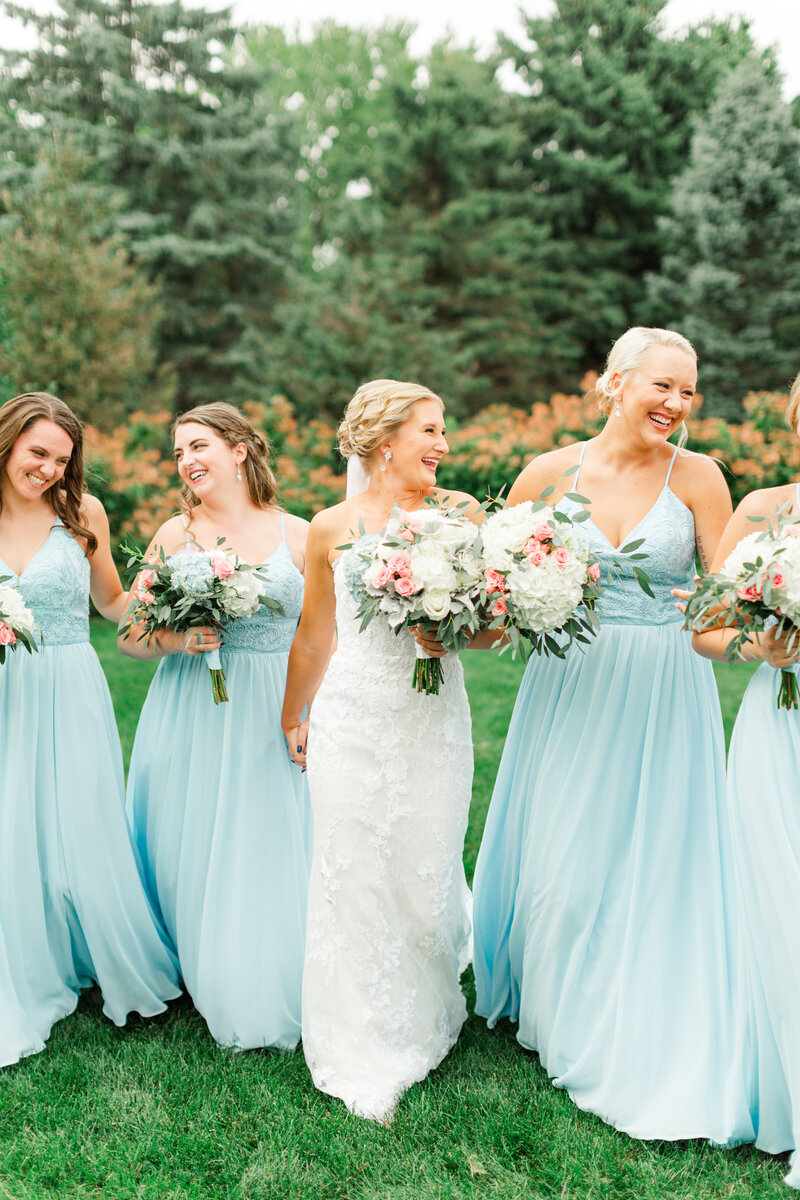 st-paul-wedding-photographer-bridesmaids-candid