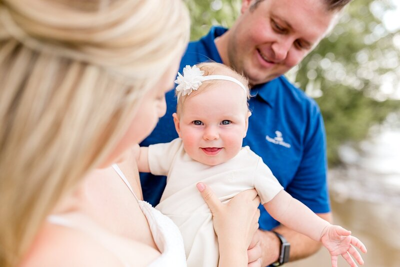 lake-minnetonka-baby-sand-family-pictures-excelsior-beach-Minnesota_0007
