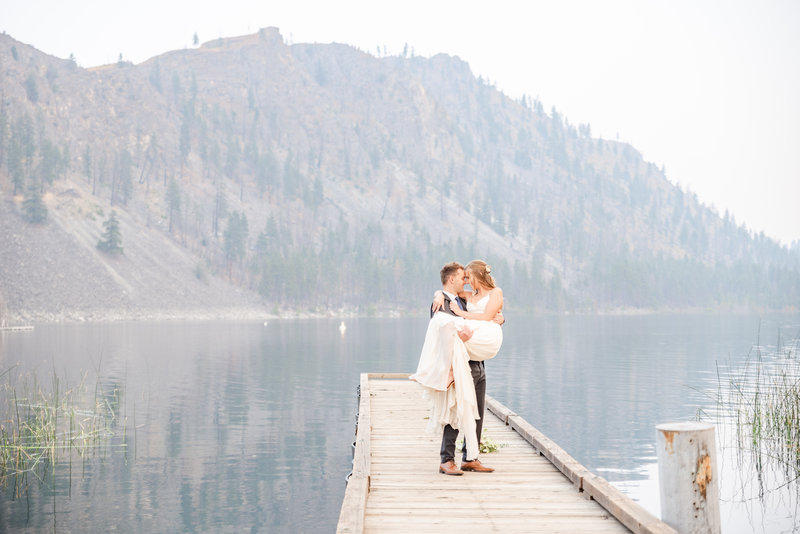destination-lake-wedding-bride-groom