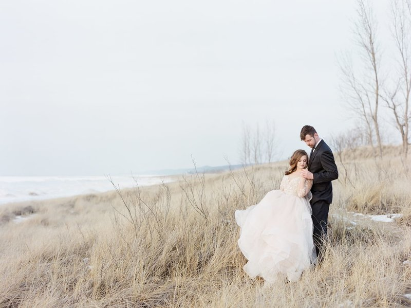 Frozen-Lake-Michigan-wedding-inspiration-Kelly-Sweet-24