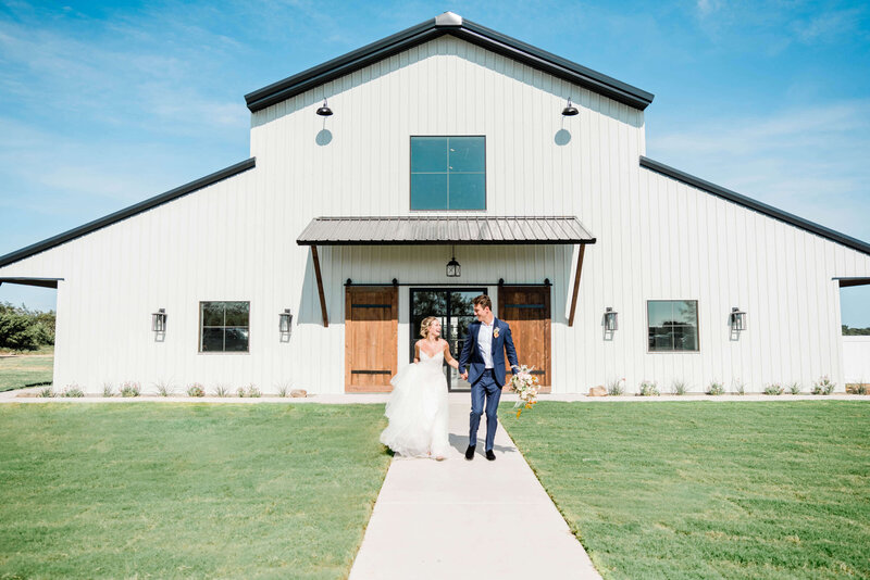Davis-grey-farms-wedding-celeste-texas-wedding-treasured-heart-events-dallas-wedding-photographer-white-orchid-photography-1