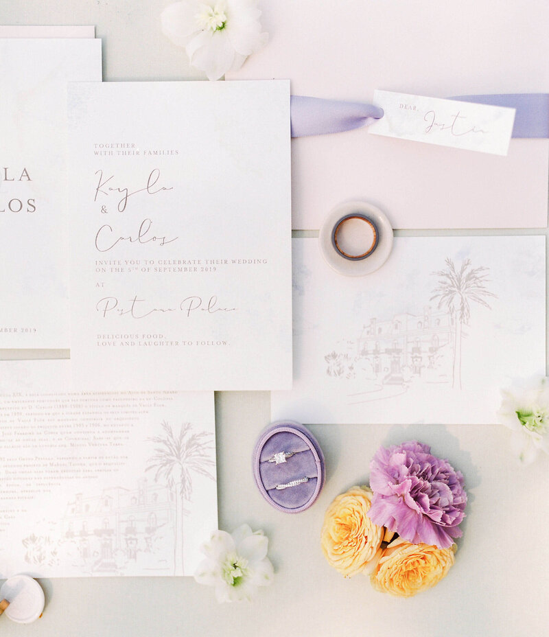 Delicate wedding stationary for luxury weddings in Portugal