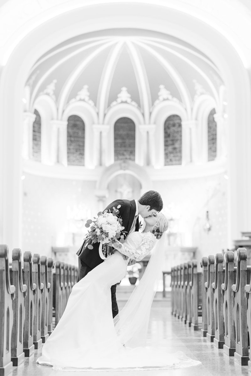 The-Grand-Opera-House-Crowley-Louisiana-Wedding_54