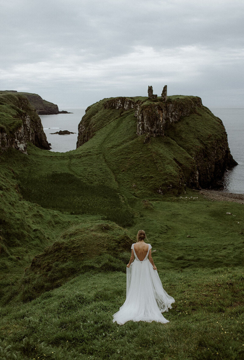 Ireland & US Wedding Coordinator, bride walking up the hillside to her groom