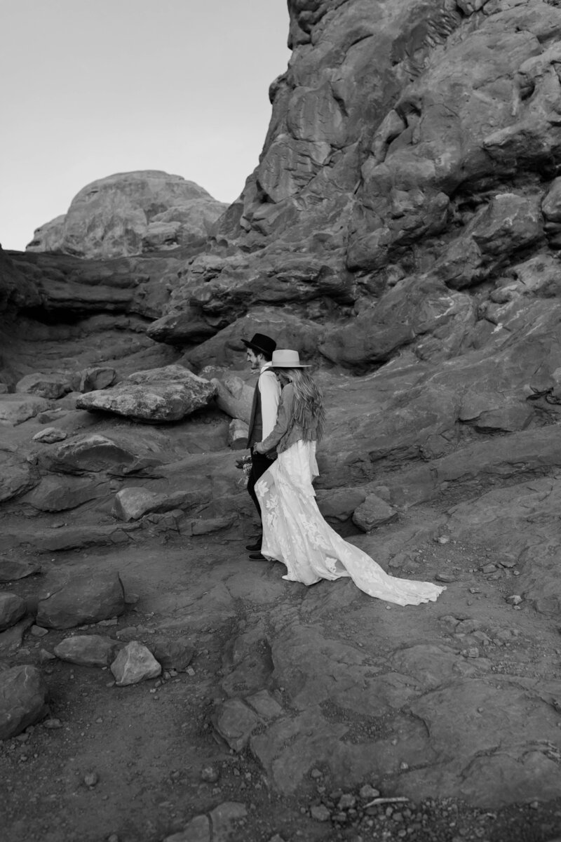 adventurous elopement in Moab utah