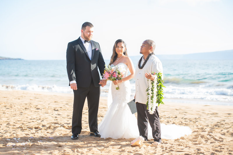 Maui Officiant Reverend Peter Dagupion
