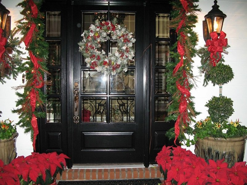 Holiday-Decor-Front-Entry-2 - Copy - Copy