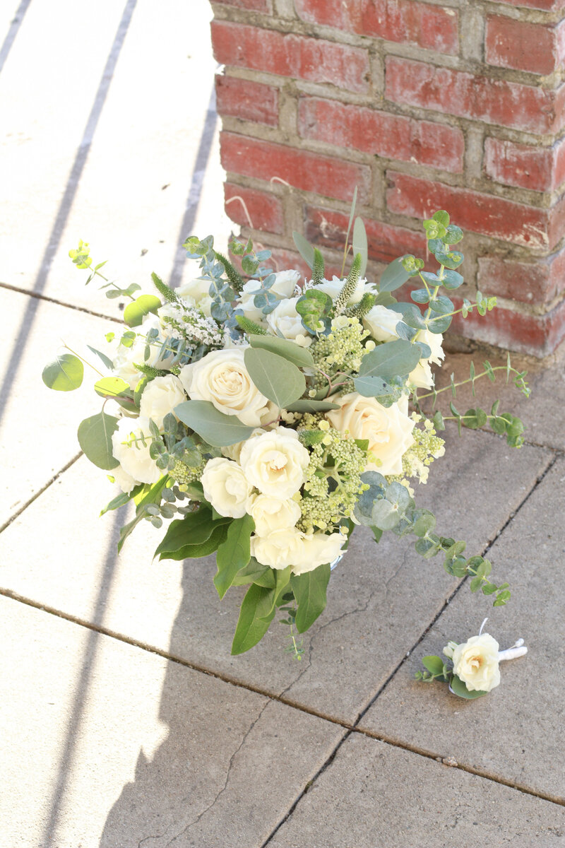 florist-greenwich-new-york-connecticut-designer-preservation-floral-wedding-westchester-bouquet-hydrangea-ivory-neutral-eucalyptus-6