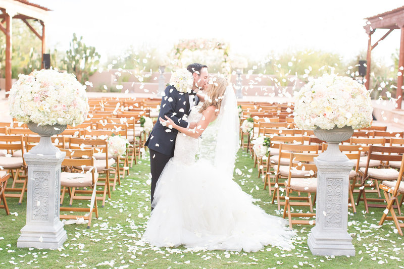 Gray and White Four Seasons Bride and Groom Scottsdale, Arizona | Amy & Jordan Photography