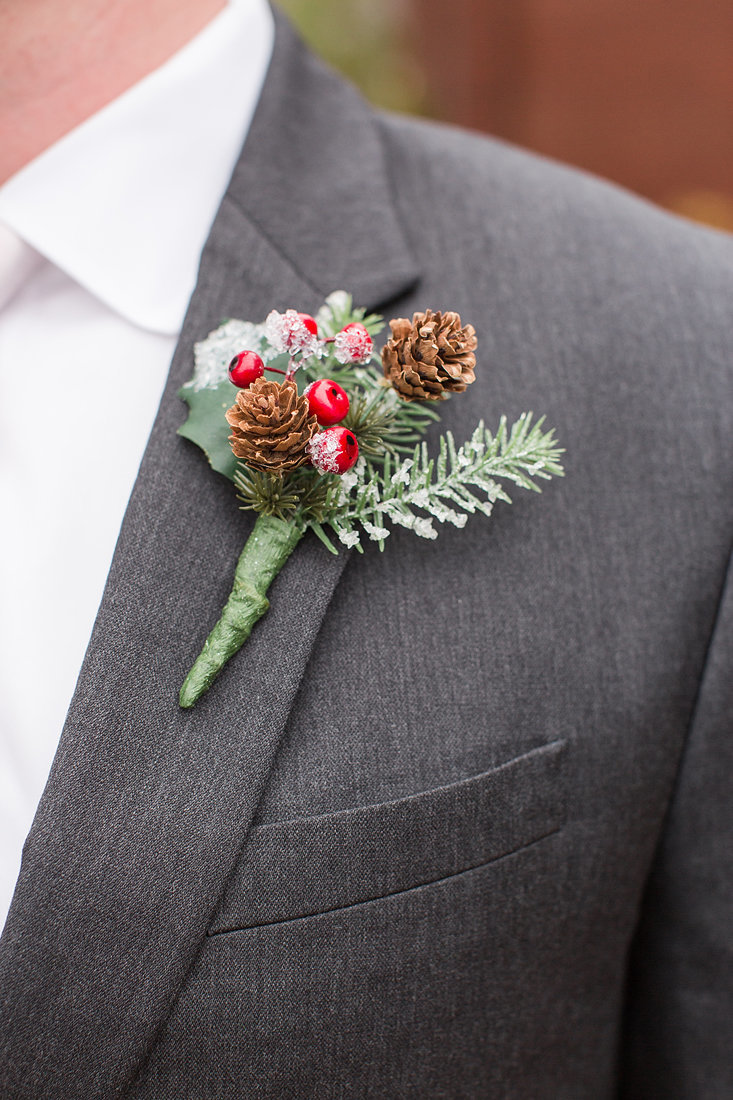 Wedding-Inspiration-Winter-Boutonnière-Berry-White-Greenery-Photo-by-Uniquely-His-Photography05