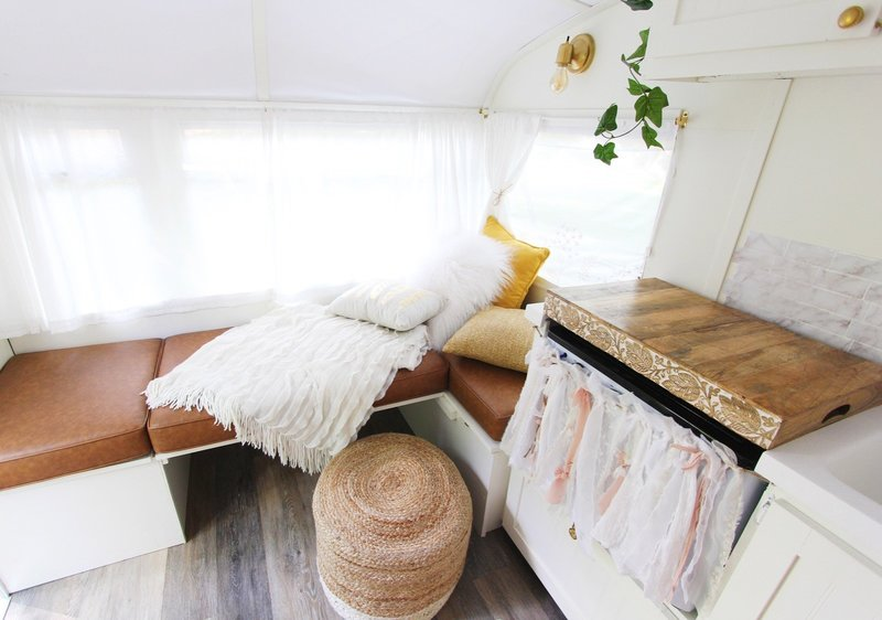 vintage-camper-classic-white-gold-reno-inspirations-ideas-boho-gypsy-hippy-pearl-musician-singer-songwriter-interior8