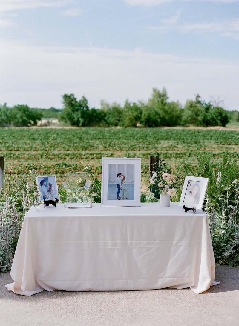 wendy-kevon-park-winters-wedding-contigo-ranch-frederickburg-79