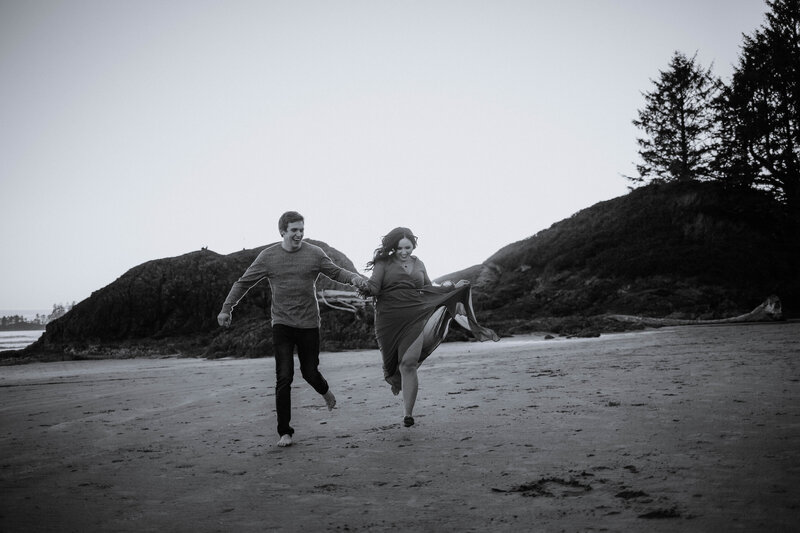 Tofino beach - black and white - Running