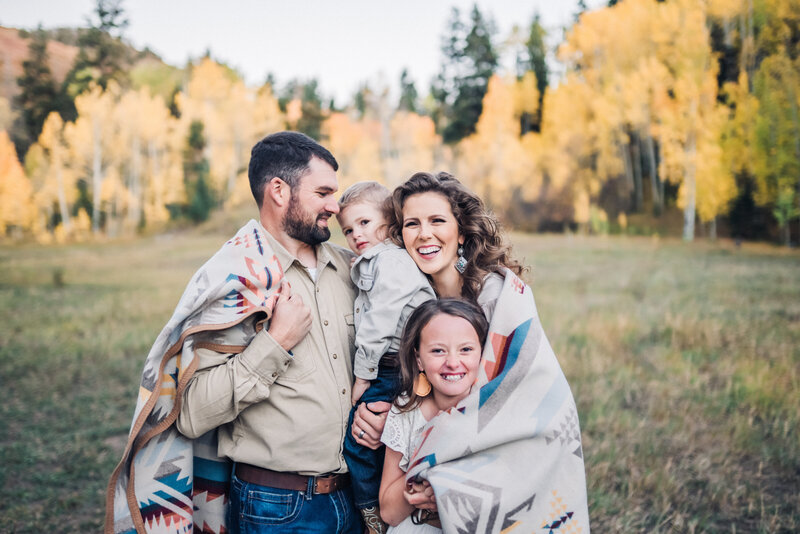 aubrey-beth-photgraphy-wedding-elopement-photographer-ouray-colorado-fam-2