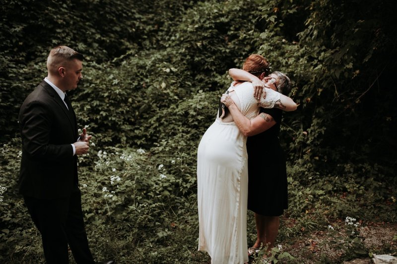 forest-elopement-cincinnati-wedding-photography-33