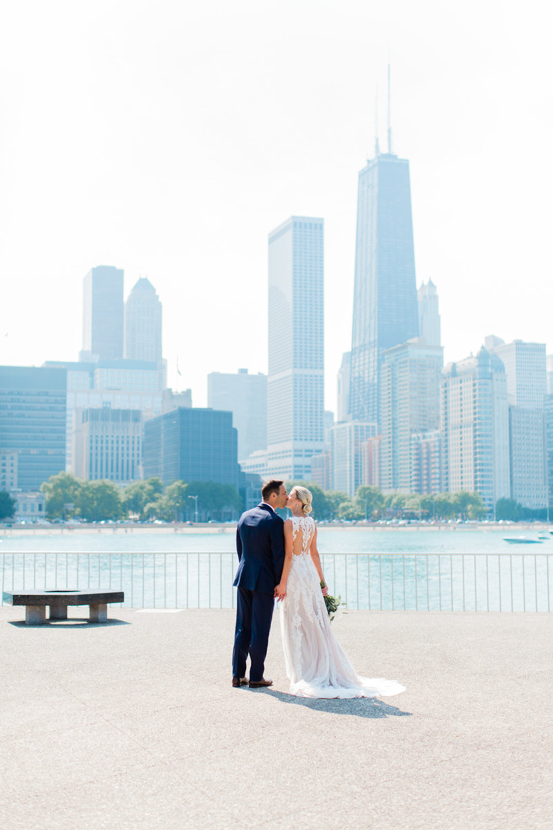 chicago-tribune-tower-wedding-nicole-jason-401