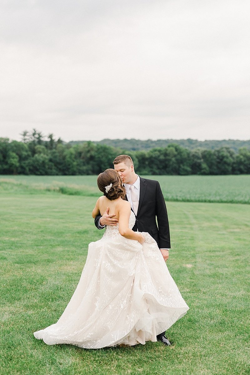 Laura-Dustin-Wedding-Mayowood-Stone-Barn-764