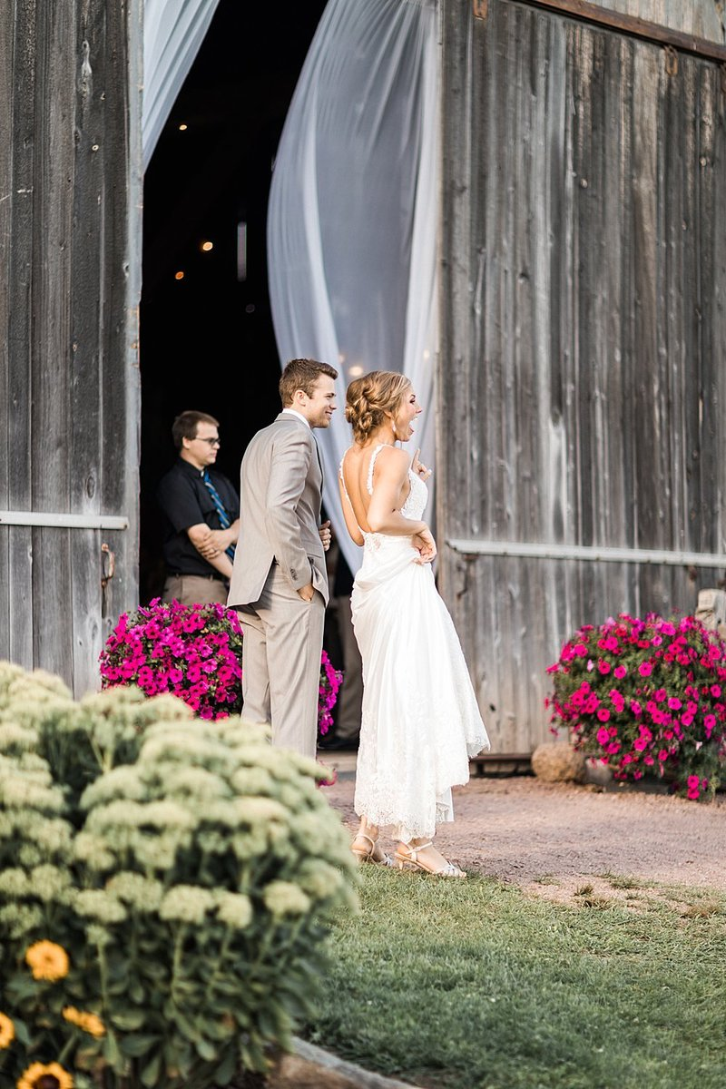 151_Midwest-Barn-Wedding-Venues-James-Stokes-Photography