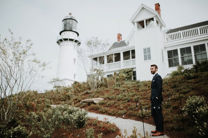 cape-elizabeth-portland-maine-backyard-lighthouse-wedding-44