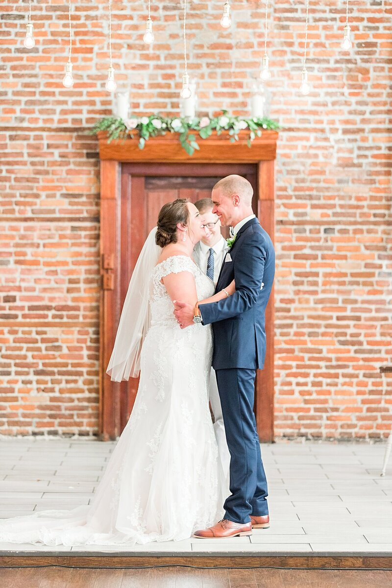 Wilmington-NC-Saint-Thomas-Preservation-Hall-Wedding28