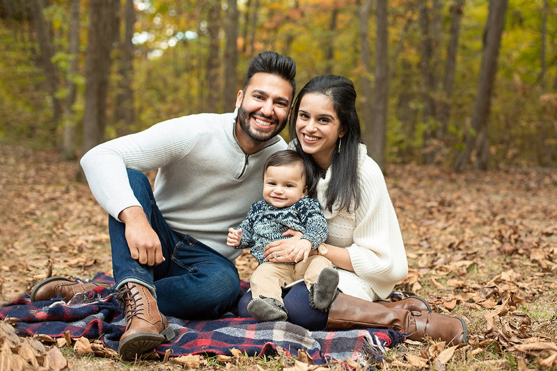 columbus-ohio-fall-family-session-with-baby-boy