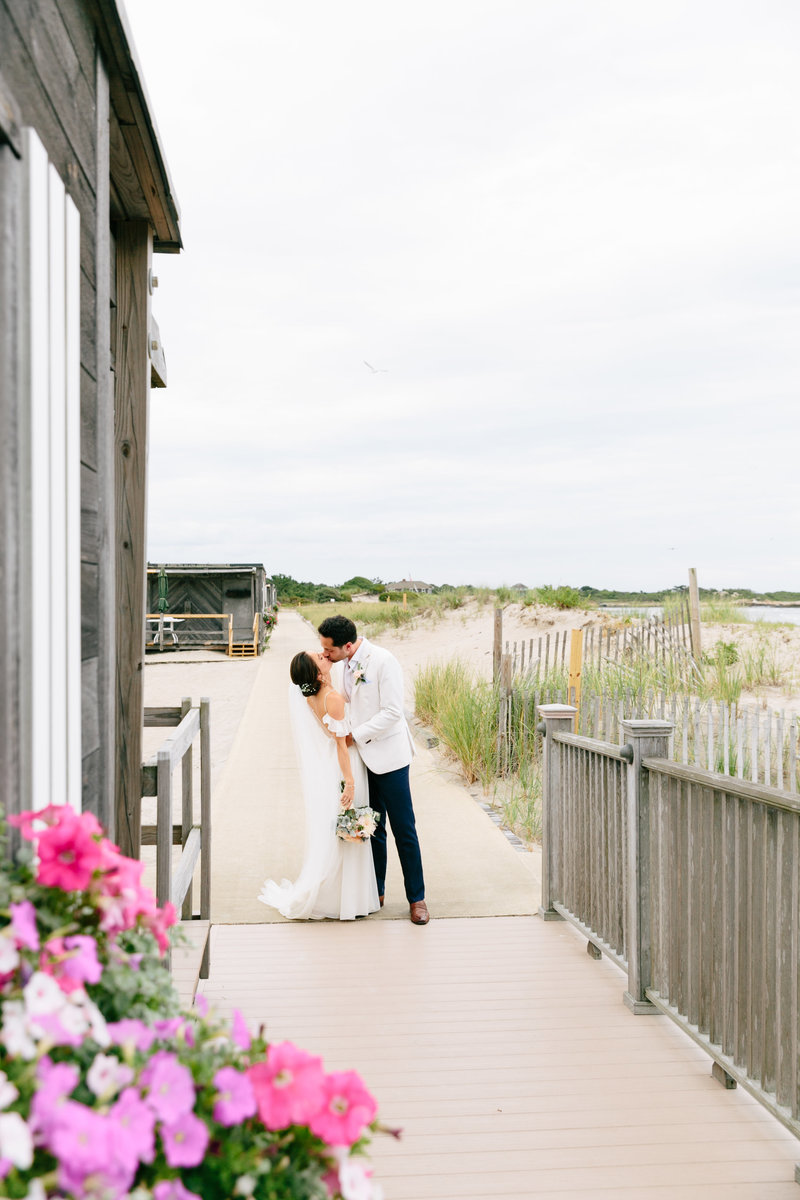 2019-aug23-dunes-club-newport-wedding-photography-rhodeisland-kimlynphotography2260
