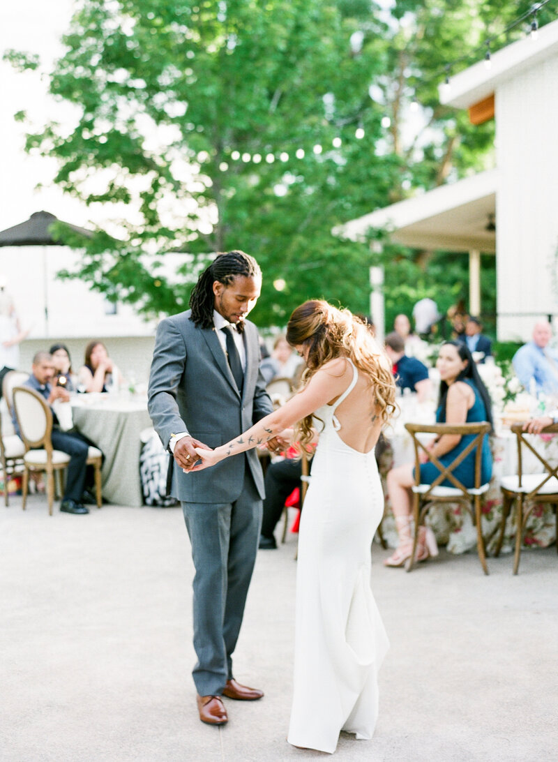 wendy-kevon-park-winters-wedding-contigo-ranch-frederickburg-156