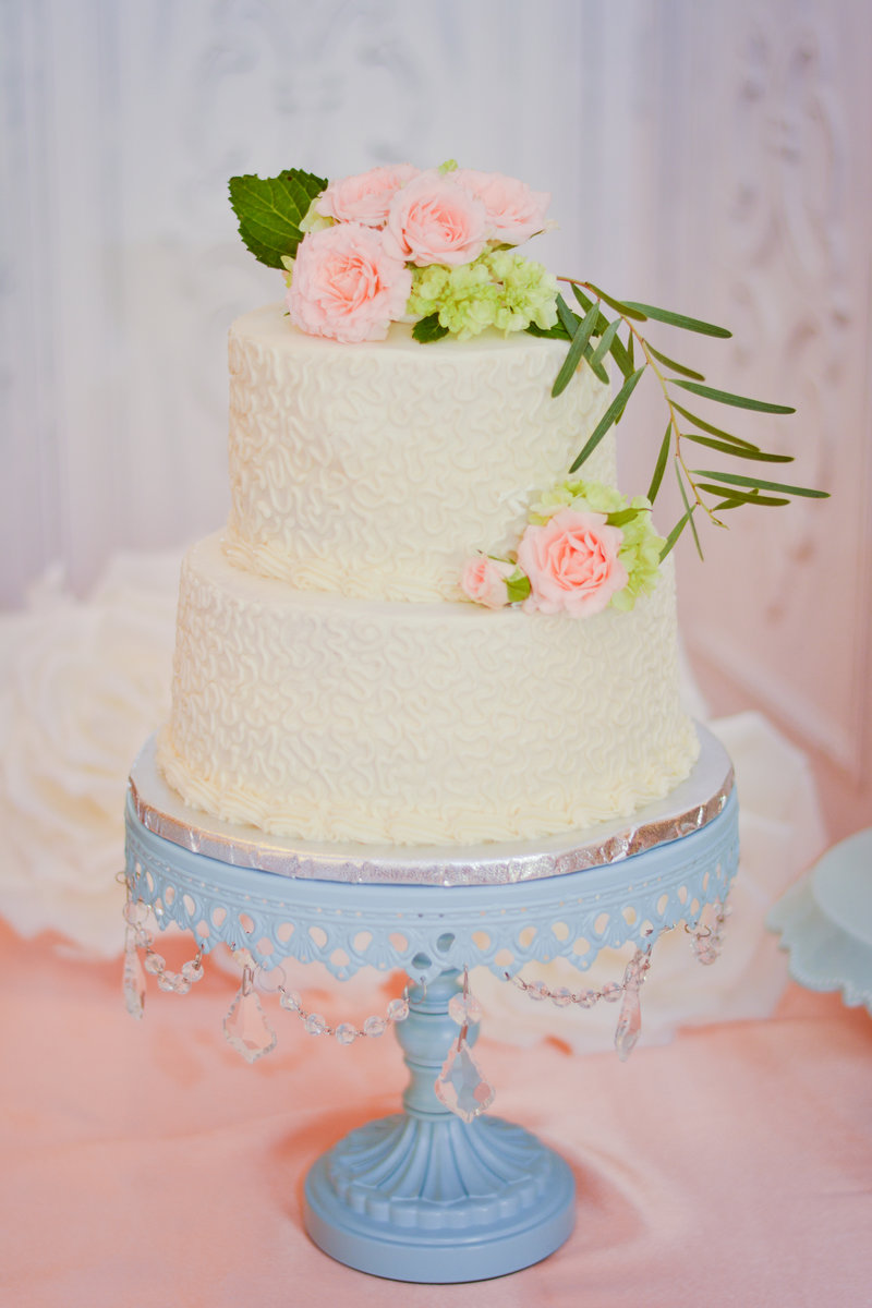 pretty elopement package cake for the two of you
