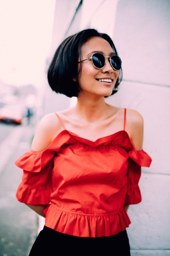 portrait-fashion-smiling-sunglasses-smile-woman-asian-happy-confident_t20_xvJJW9