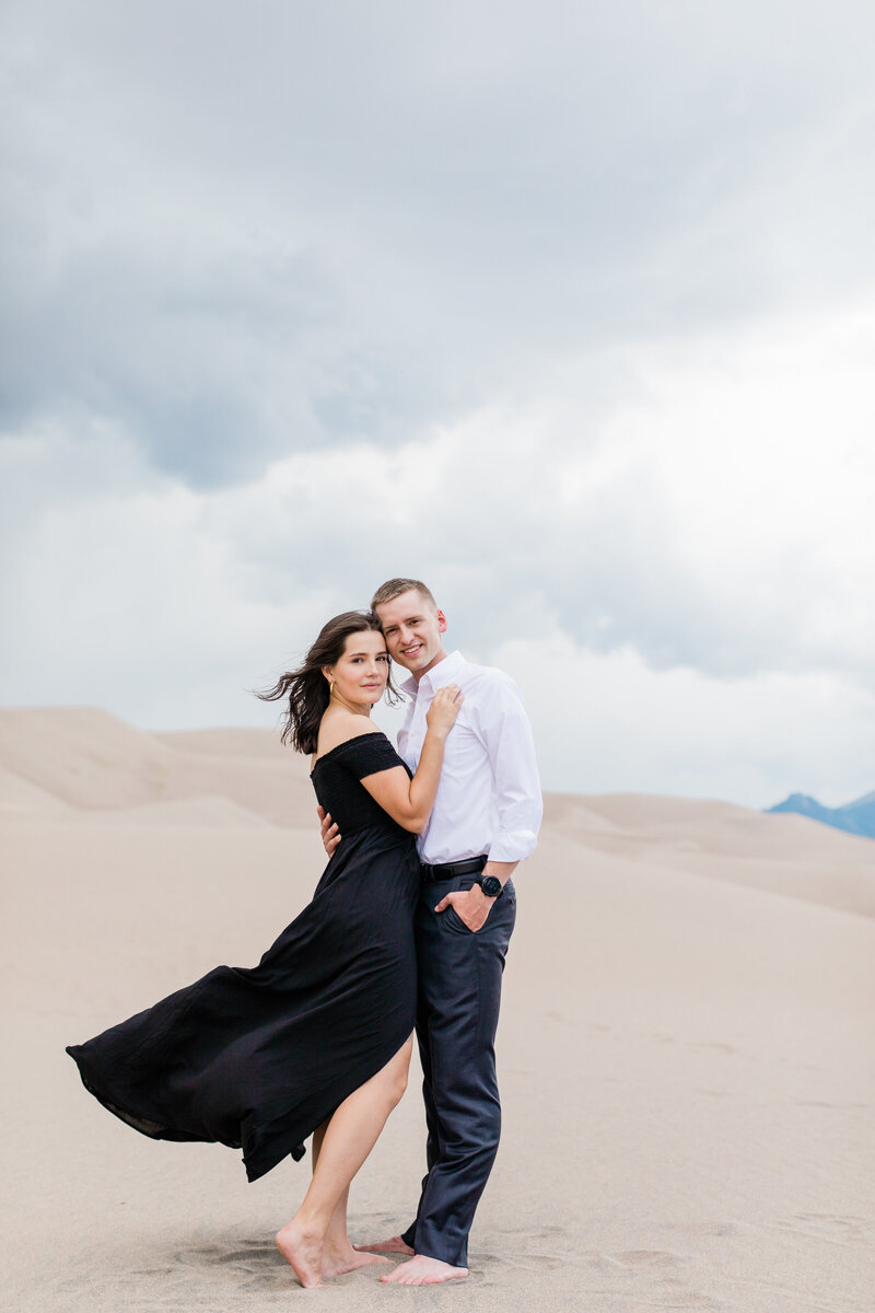 Sand Dunes Engagement - Photos by Ava Vienneau-43