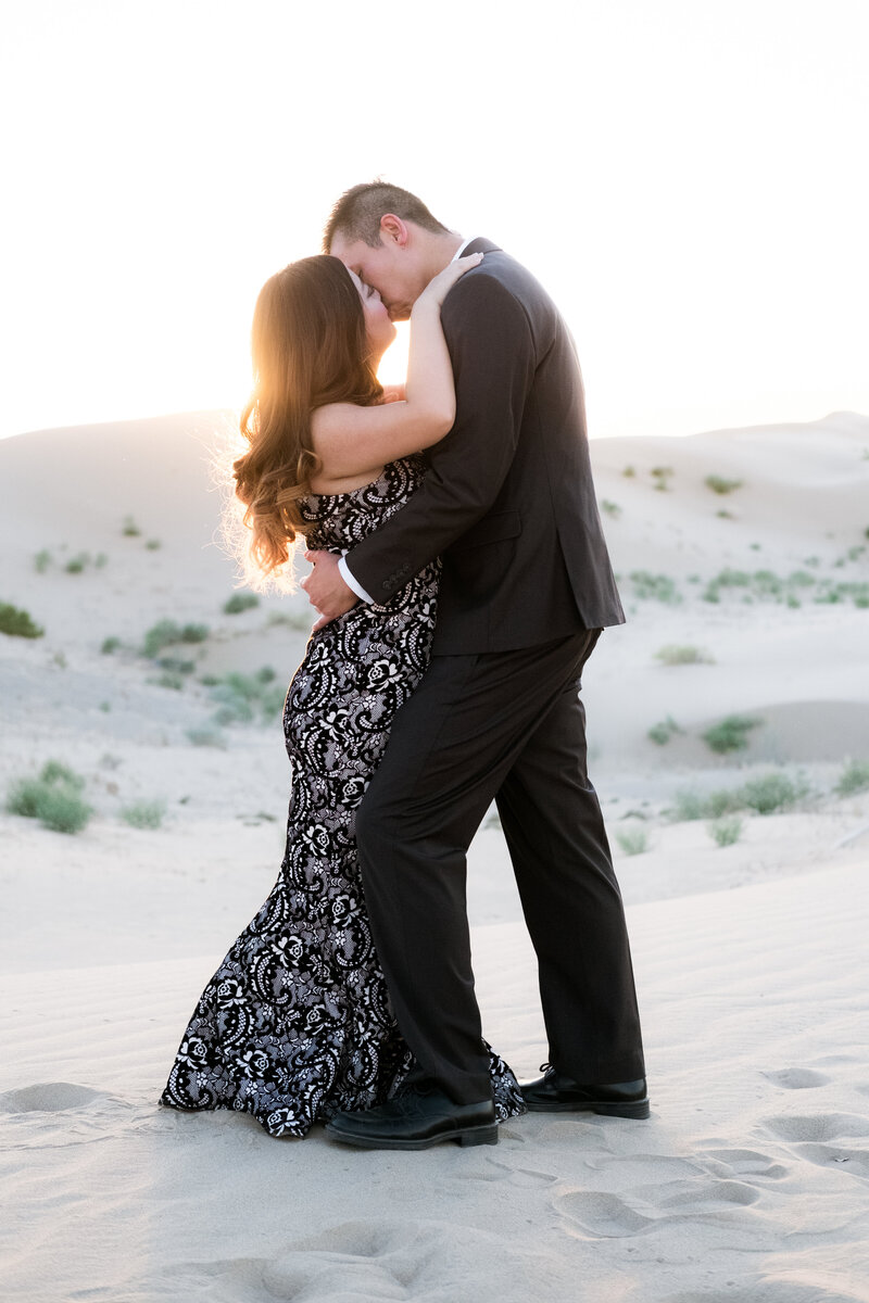 imperial-sand-dunes-engagement-photography-11