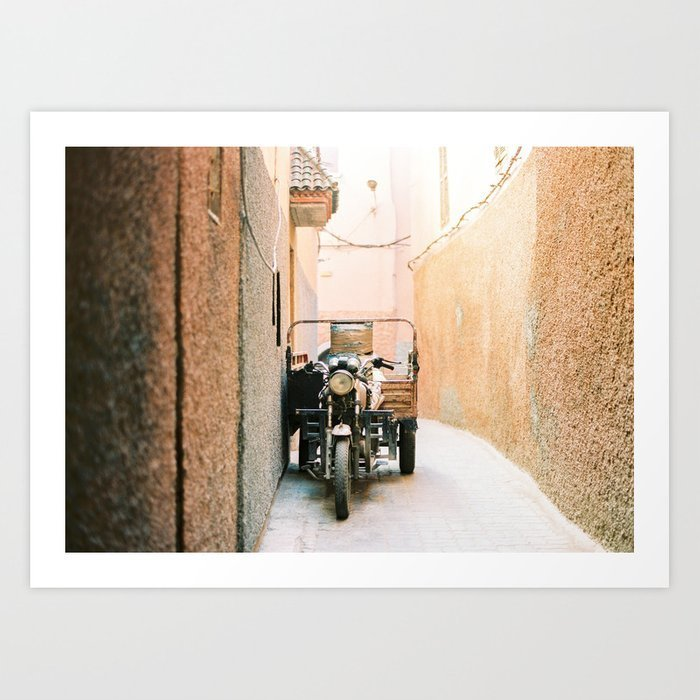 vintage-retro-scooter-moped-in-the-streets-of-magical-marrakech-prints