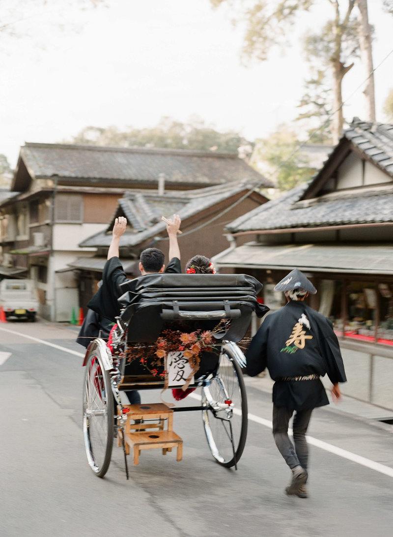 17-KTMerry-weddings-rickshaw-japan