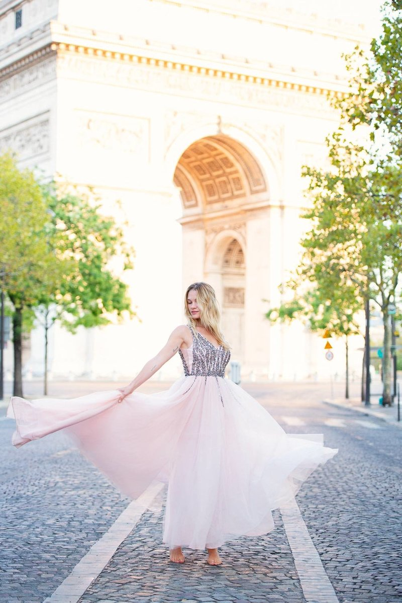 Paris portrait photoshoot at Arc de Triomphe 3 - 2019