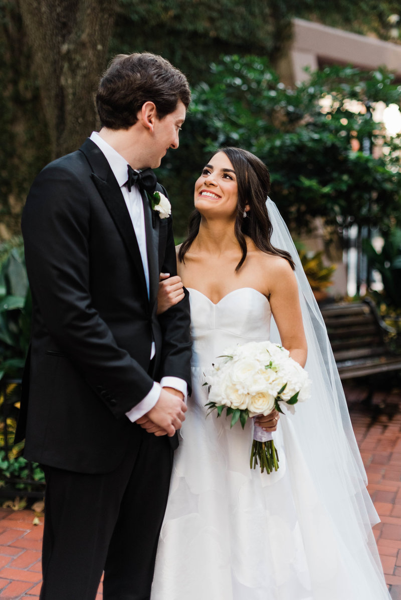 Anna + Aaron-New-Orleans-Museum-of-Art-Wedding_Gabby Chapin Photography_00201