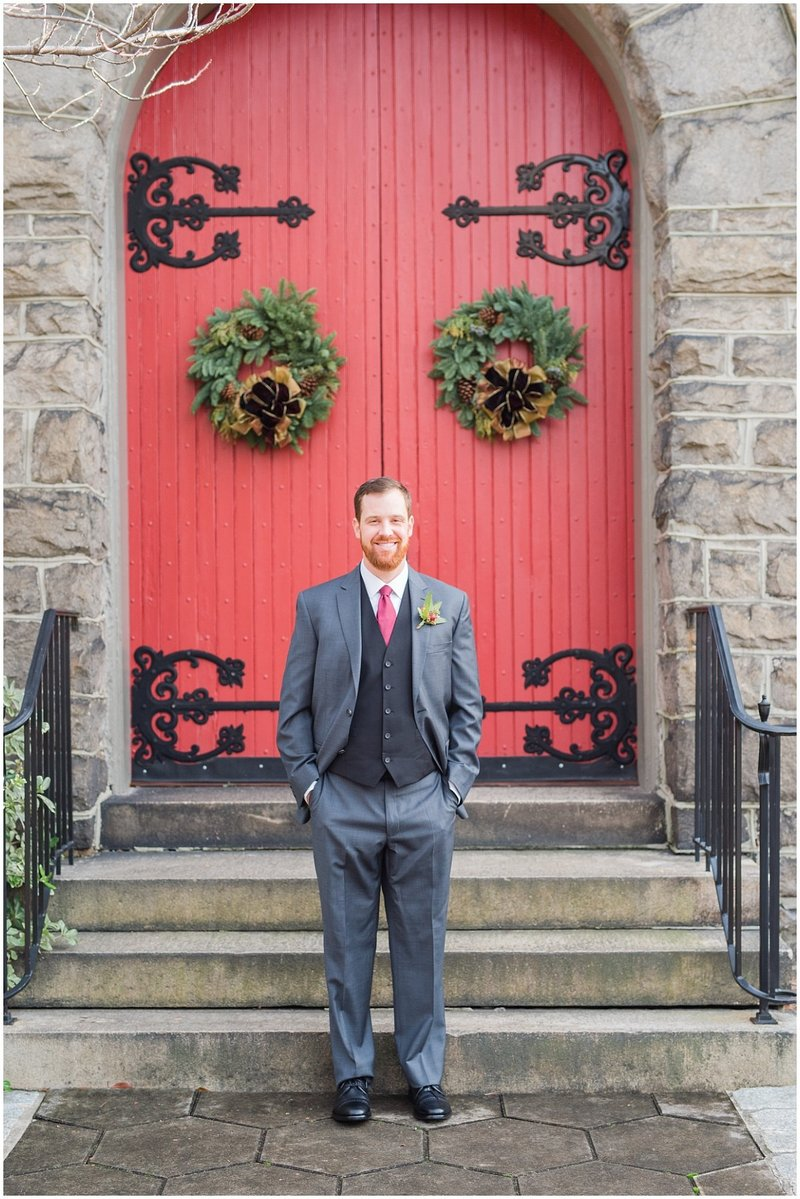 inman-park-methodist-church-upstairs-atlanta-wedding-photographer-christmas-wedding-laura-barnes-photo-023