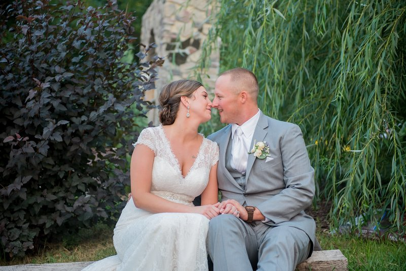 Romantic Moon Wedding Venue by Fargo Photos by Kris Kandel photographers (13)